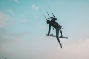 One foot kitesurf